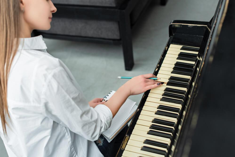 play-piano-at-home.jpg