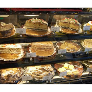 Macaroon Cookie Cake