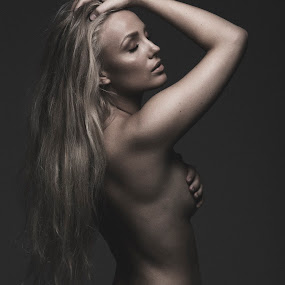 Just me by Martin Jørgensen - People Fashion ( canon, fashion, nude, girl, makeup, beauty, women, profoto )