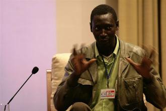 Photo: XIII Jornada Internacional de Comunicación Siglo XXI ¿Cómo salir juntos de la crisis? Agustín Ndbour, presidente de asociación inmigrantes de Senegal