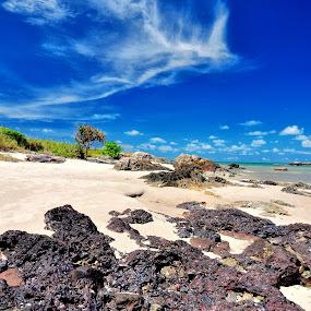 Pantai lalang Bang Mas Abang ganteng by ANdi Khoebill - Landscapes Waterscapes