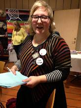 Photo: Garnlotteriet efter middagen styrdes med van hand upp av Lisa Bomble - listorna var många och lotteriet stort!