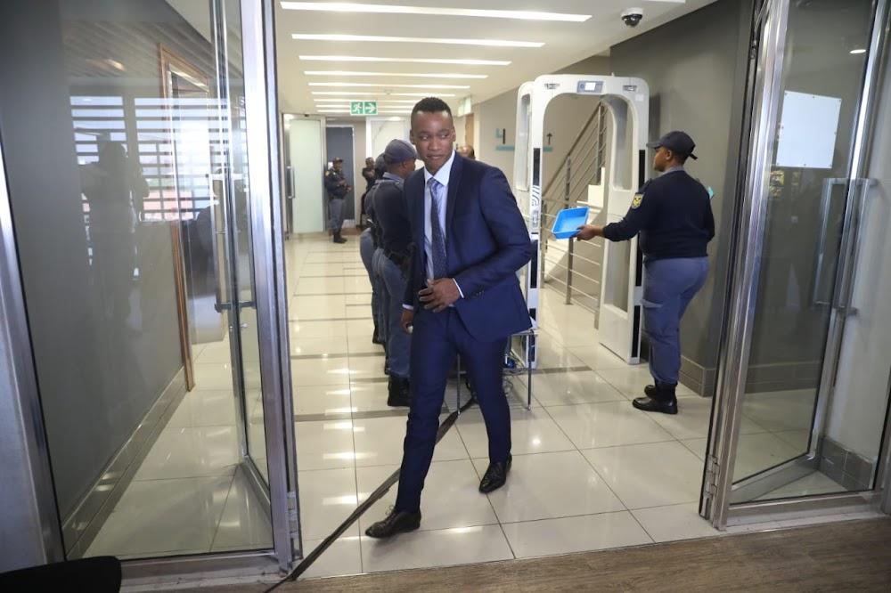 Duduzane Zuma arriveer om te getuig tydens die ondersoek na die staatskaping - SowetanLIVE