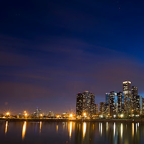 Chicago buildings by Cristobal Garciaferro Rubio - Buildings & Architecture Office Buildings & Hotels ( water, building, reflection, waterscape, reflections, architecture, places, chicago, people, usa )