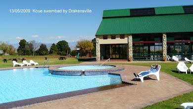 Photo: Warmswembad binne die gebou