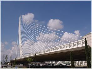 Photo: Puente del Azuz ( Ciudad de las Artes y las Ciencias -Valencia) http://www.viajesenfamilia.it/