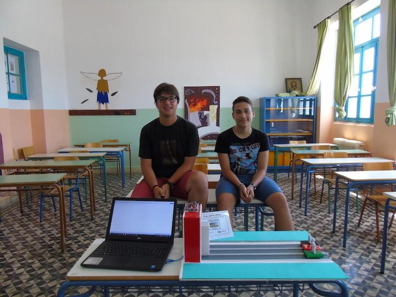 Οι μαθητές με την κατασκευή