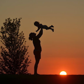 A silhouette of Juliette (and her mommy)! by Michael Smith - People Family