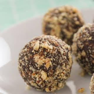 5-Ingredient Chocolate Almond Energy Balls.