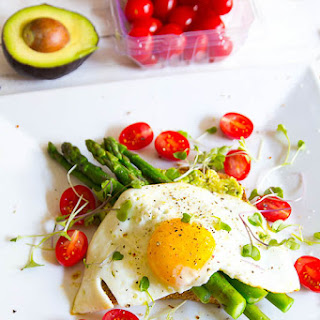Healthy Egg & Avocado Sandwich with Asparagus