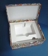Photo: Caixa (7) decorativa e com aplicação de verniz na parte externa.