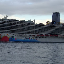 NY by Pal Mori - Transportation Boats