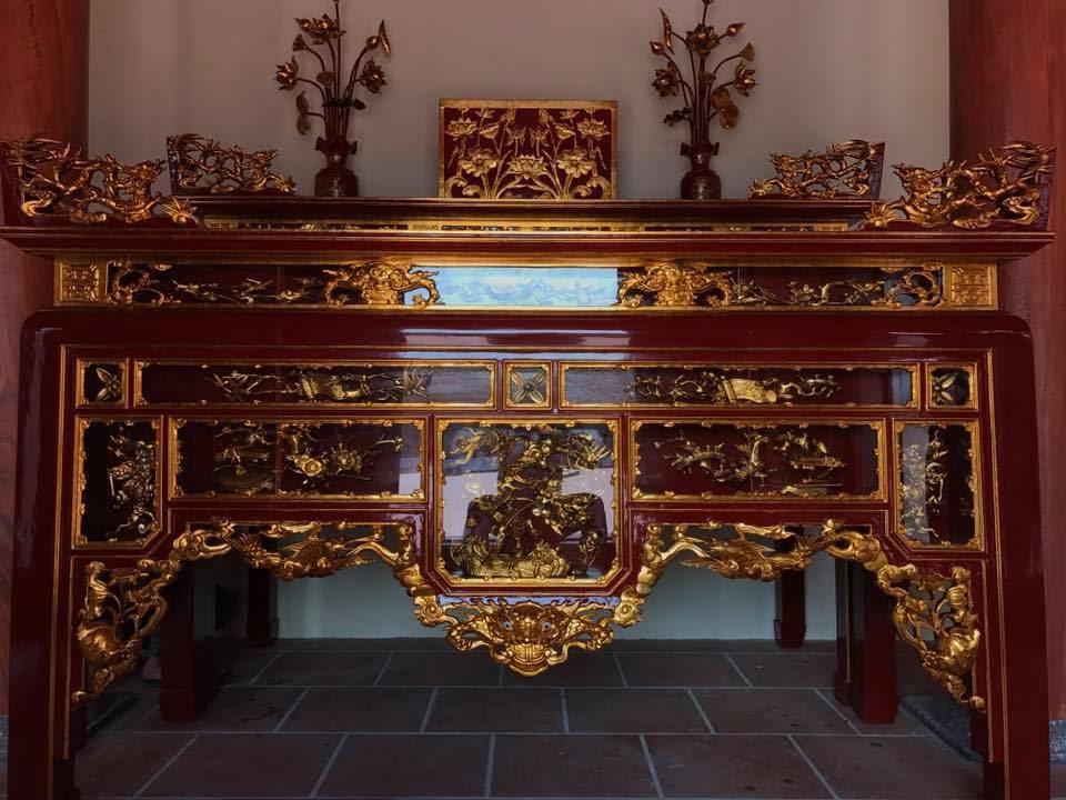 Mẫu bàn thờ sơn son thếp vàng hai tầng