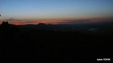 Photo: Nemrut Dağı'nda güneşin doğuşunu bekliyoruz. Saat: 04:30 Karadut Köyü-Kahta-Adıyaman- 22.05.2016 Mezopotamya (Gaziantep-Şanlıurfa-Adıyaman Nemrut Dağı)  Etkinliği. - 19-20-21-22 Mayıs 2016