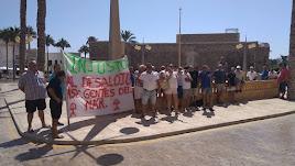 Concentración de \'Gentes del Mar Indalo\' frente al ayuntamiento.