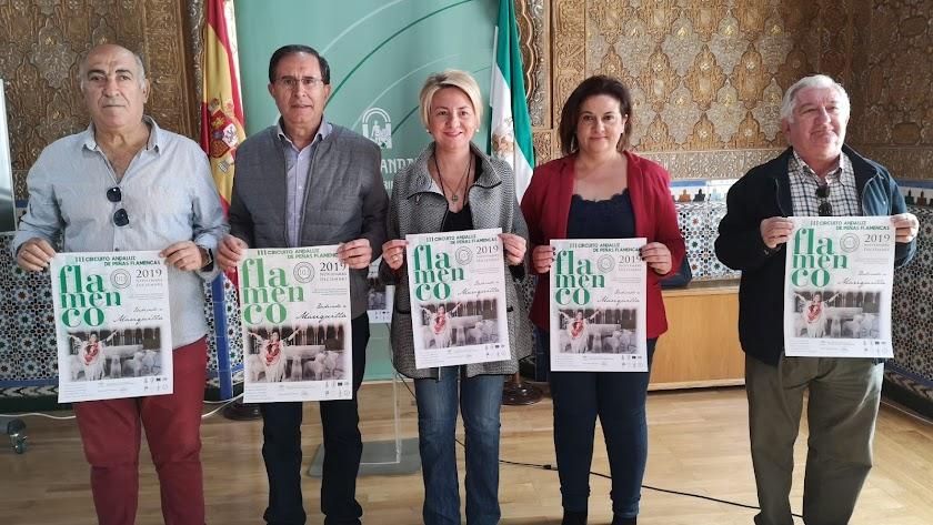 Imagen de los representantes de las instituciones.