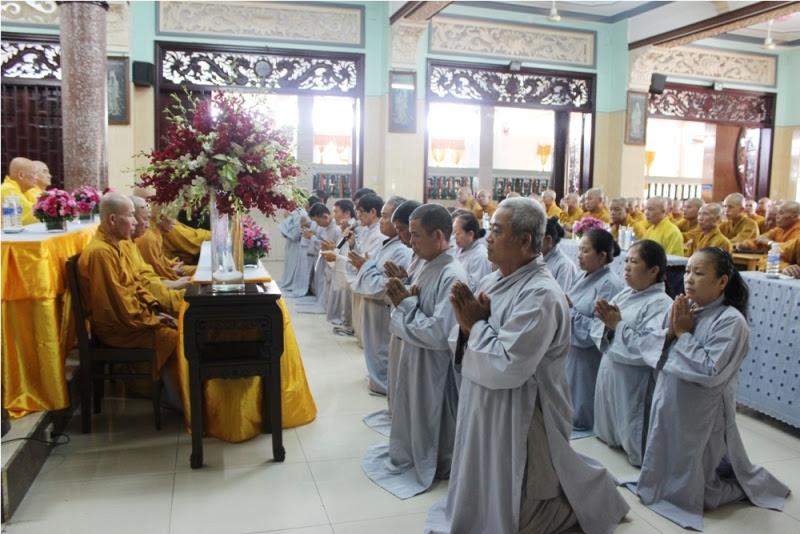 Đại diện Phật tử dâng lời cảm niệm