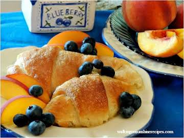 Peach Dumplings with Crescent Rolls - Walking On Sunshine Recipes