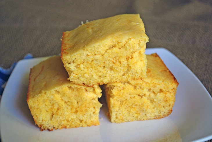 Moist and Fluffy Cornbread
