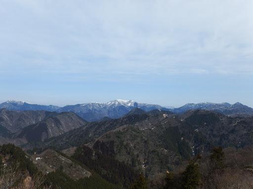東峰から展望