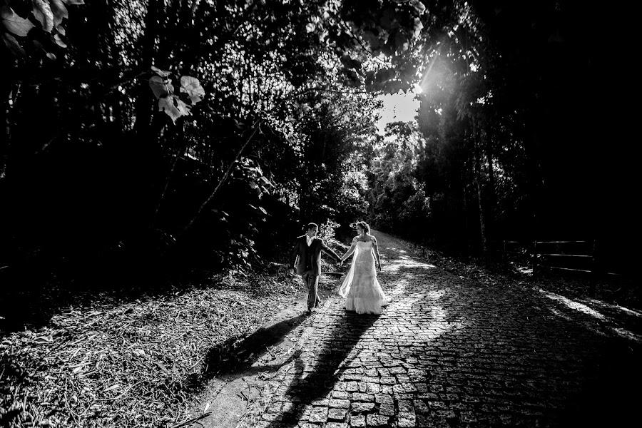 Wedding photographer Ueliton Santos (uelitonsantos). Photo of 16.07.2014