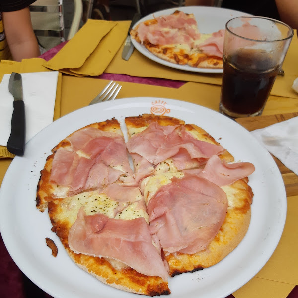 1st gf pizza in Italy and it was very good!