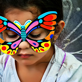 THE BUTTERFLY GIRL by Leon Zaragoza - Babies & Children Child Portraits ( people )