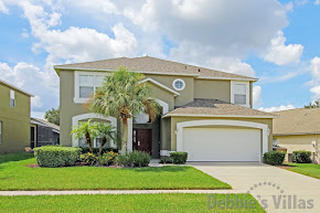 Private Kissimmee villa, gated community, minutes from Disney, south-facing pool & spa, cinema room