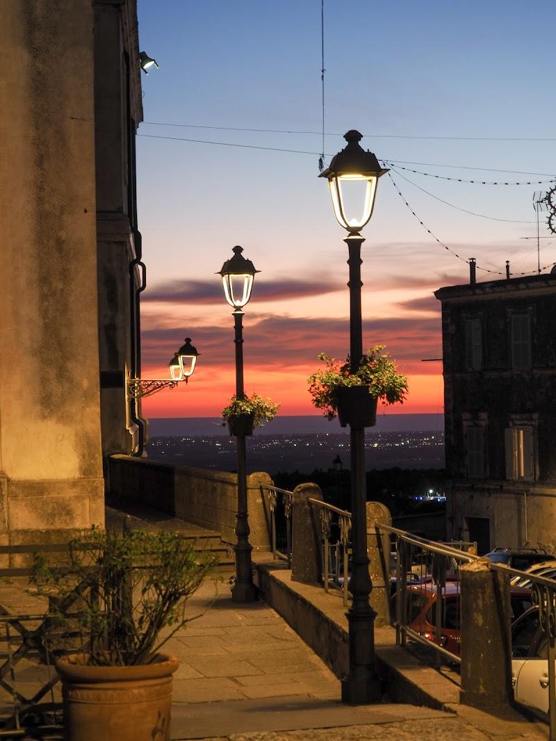 Tramonto ad Ariccia (Roma) di jeanblot