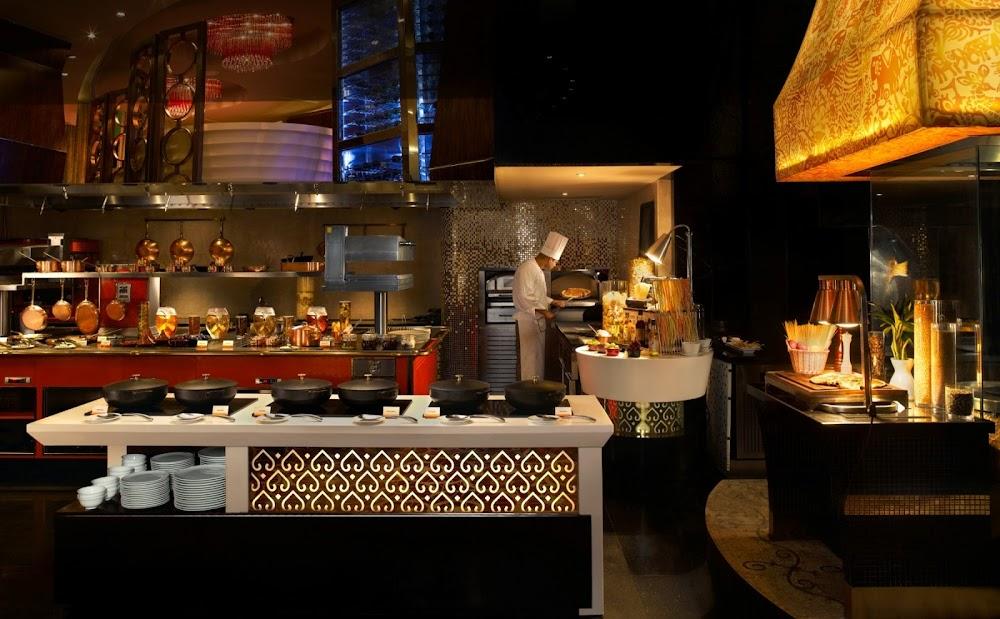 best-christmas-brunch-and-dinner-mumbai_pondichery_cafe_sofitel
