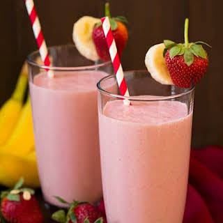Strawberry Banana Oat Smoothie.