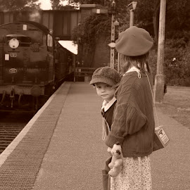 Waiting for wartime evacuation by Graham Sivills FBCS - Babies & Children Children Candids
