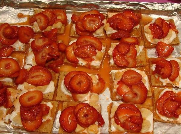 Berry Easy Pavlova Recipe