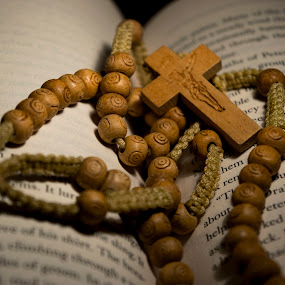 Wood prayer beads by Sergio Yorick - Artistic Objects Other Objects ( religion, wood, object, artistic objects, antique,  )