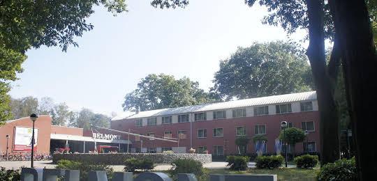 50 50 Hotel Belmont