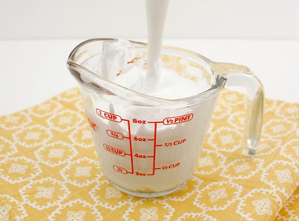 Start with very stiff royal icing. Mixing in a measuring cup makes it easy...