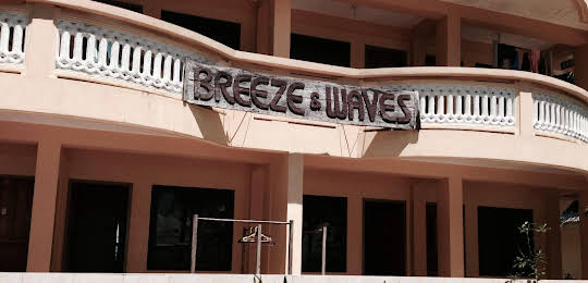 Breeze and Waves Cottages
