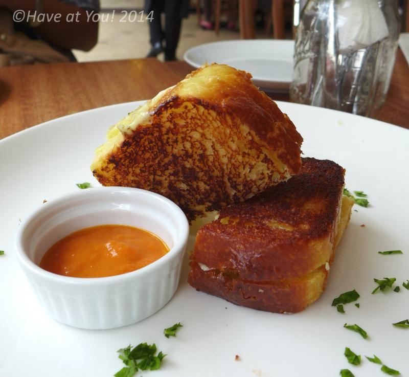 grilled cheese toast with tomato puree dip