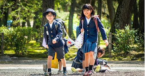 Cách người Nhật dạy con đứng lên từ thất bại