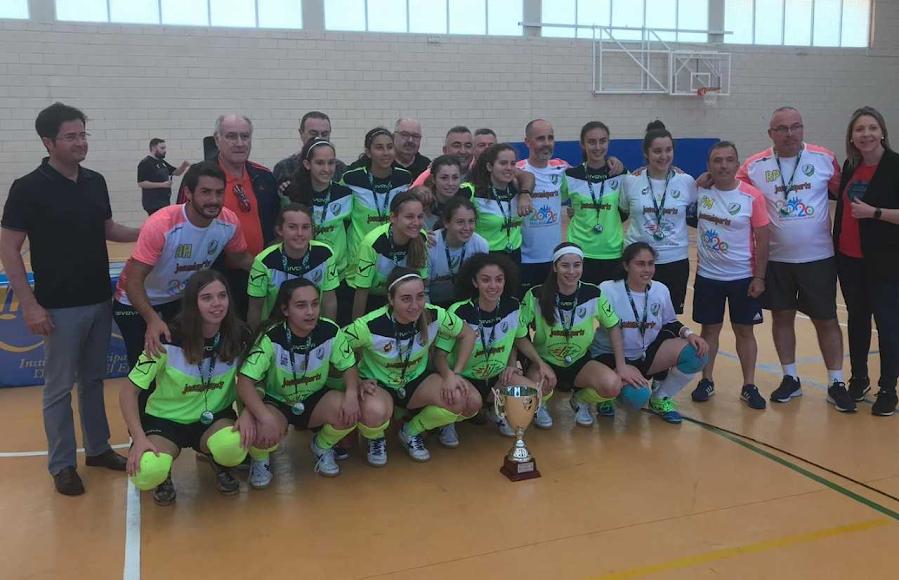Las campeonas del Torcal posaron con el CD El Ejido.
