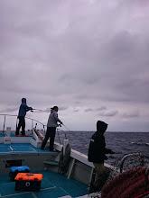 Photo: 現地に到着寸前までナギだったのに・・・着いた途端、波、風が出てきたー!