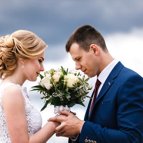 Wedding photographer Viktor Ilyukhin (Vitayr). Photo of 24.12.2017