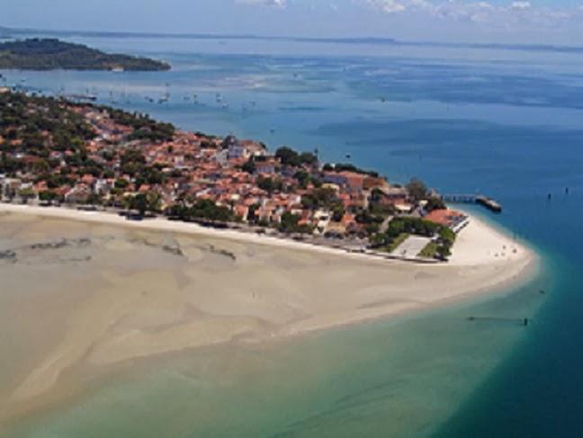 Photo: Vista aérea da praia do forte ao lado do forte São Lourenço em Itaparica.