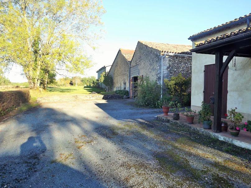 Vente propriété 5 pièces 198 m² à Vergt-de-Biron (24540), 267 500 €