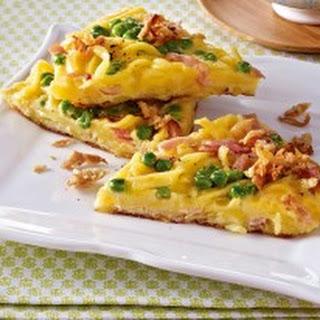 Spätzle-Omelett mit Erbsen und Schinken