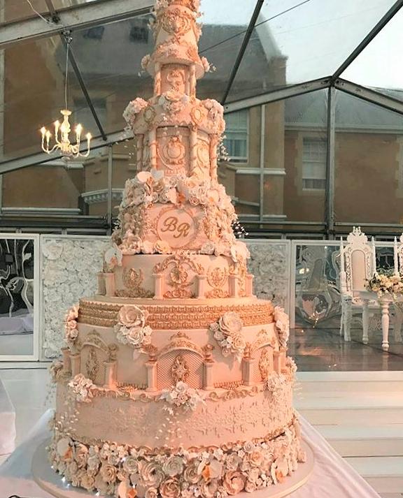 Reggie Nkabinde S 100kg Wedding Cake Cost Over R60k