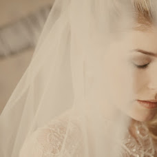 Wedding photographer Anna Milovanova (kiwi). Photo of 05.03.2013
