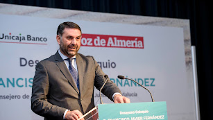 El consejero de Turismo, Francisco Javier Fernández, este lunes en los Desayunos de La Voz