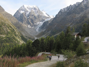 Photo: ... to the scenic village of Arolla!