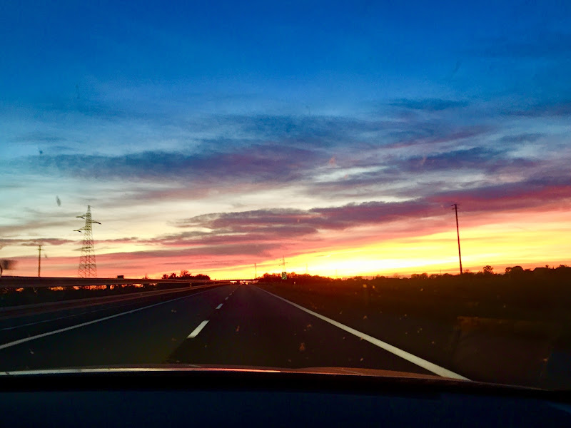 Tramonto on the road di  Antonella Giuliani